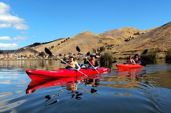 Kayak from Puno to Uros island and...