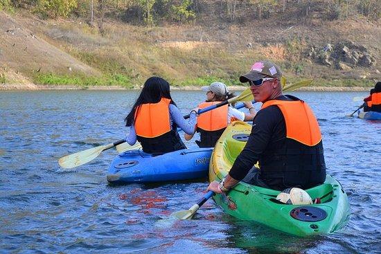 Excursión de día completo en kayak y...