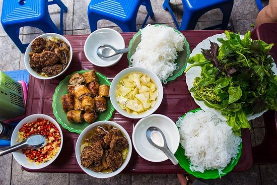 Hanoi Walking Foodie Tour om natten