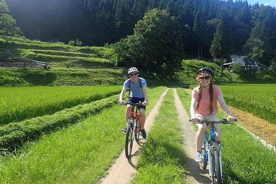 Morning Cycling Tour in Hida-Furukawa