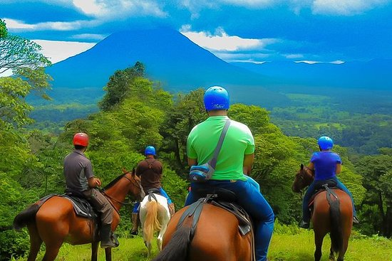 Arenal Volcano Combo 2 Équitation...