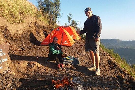 Mount Batur Camping durante la noche