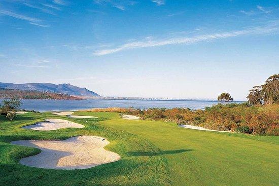 Día completo de golf de 18 hoyos...