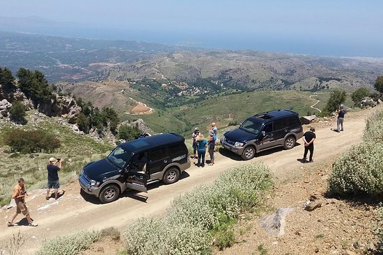 参观Shepherd's Hut  -  Jeep Safari Tour