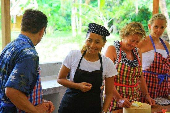 Pakinnaka Thai cooking school at...