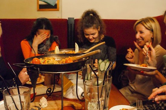圣彼得堡食品和派对晚会