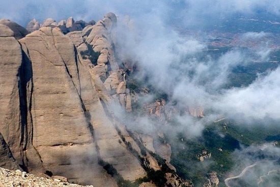 Excursión a Montserrat, cata de vinos...