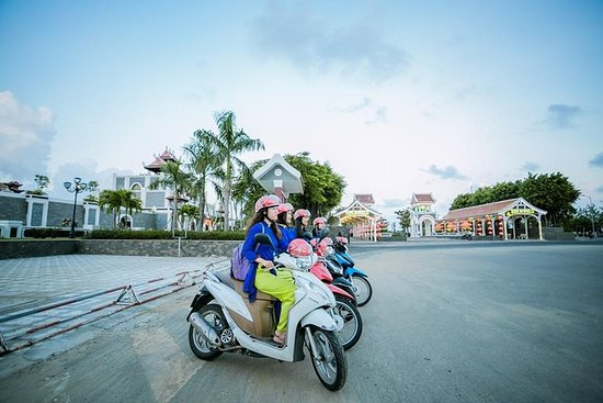 Danang Foodie & Sightseeing By...