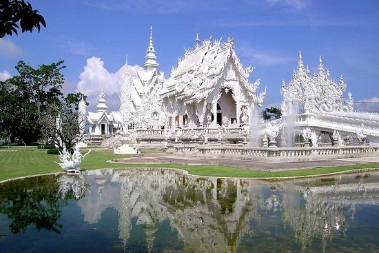 Chiang Rai Tour White Temple...