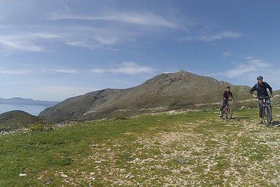 Mount Pantokrator山地车下山