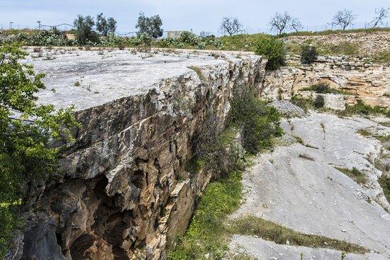 Molfetta, Italia: Cava abbandonata