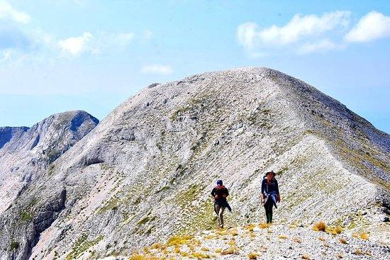 Tomorrの聖なる山の頂上