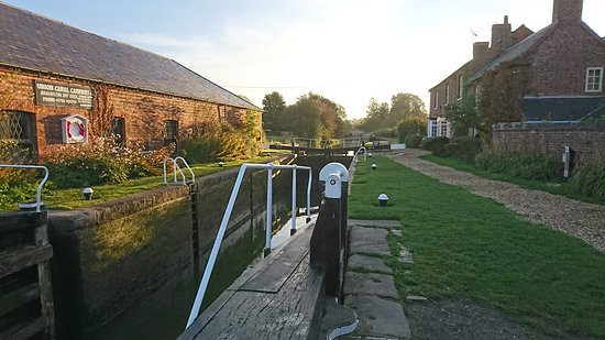 Napton-on-the-Hill, UK: Braunston locks
