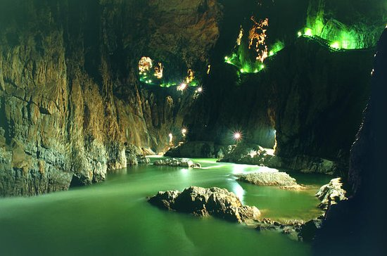 Lipica Stud Farm and Skocjan Caves Day Trip from Pula
