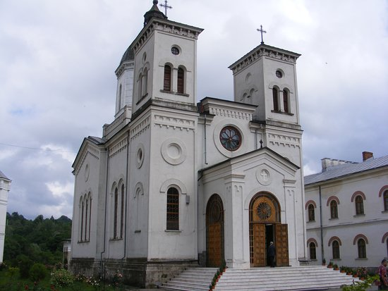 Costesti, Romania: Bistrita Monastery - The Church