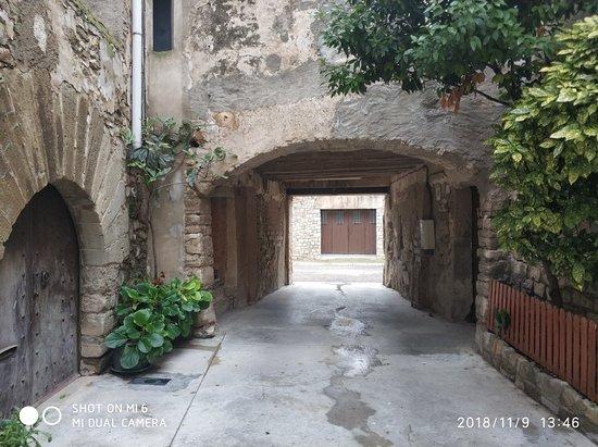 Priorat de Sant Pere dels Arquells
