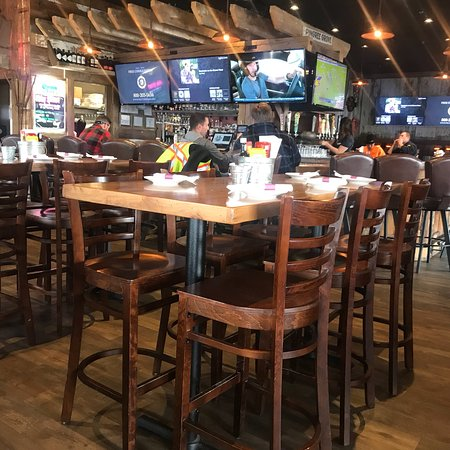Nikos Tavern & Neighborhood Grill