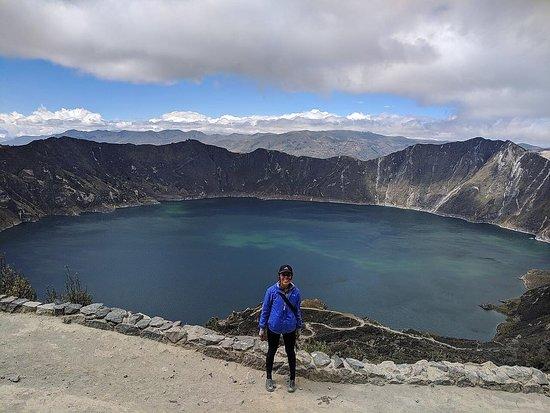 kimkim traveler Jessica H. exploring Quilotoa Lagoon on her quick getaway to Ecuador