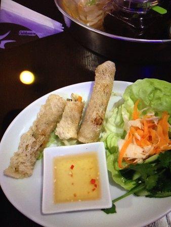Viet Guy: Spring roll with crab-chicken