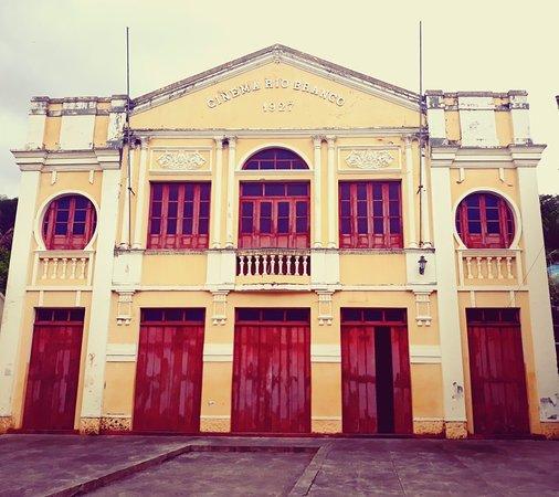 Nazare, BA: Cinema Teatro Rio Branco. O mais antigo cinema em funcionamento na América Latina.