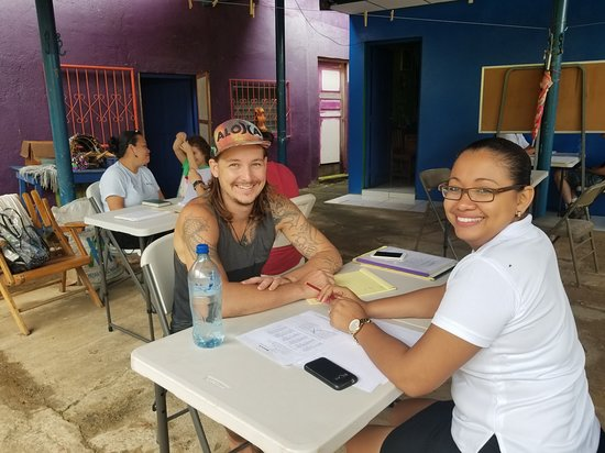 One-on-one Spanish lessons at Spanish Ya in San Juan del Sur, Nicaragua. Lessons are totally in Spanish.