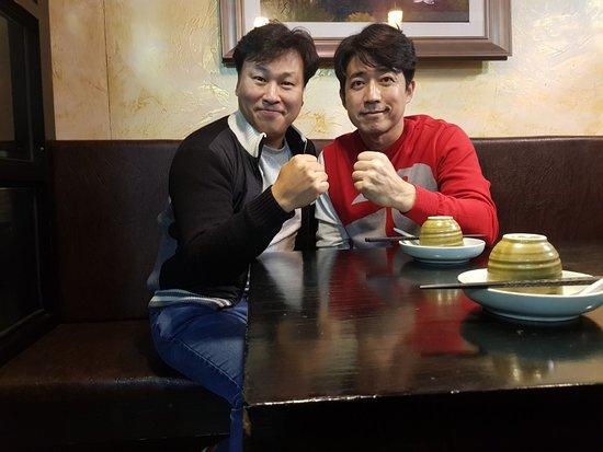 Dongducheon, Südkorea: 압구정때부터 드마리 매니아이신 양심맨 최재원님. 동두천으로 이전한것을 모른셨다가 얼마 전 알게되시고, 꾸준히 방문하셔서 맛있게 드시고 가심...드마리는 행복!!!이라고 표현하시는 고마운 분