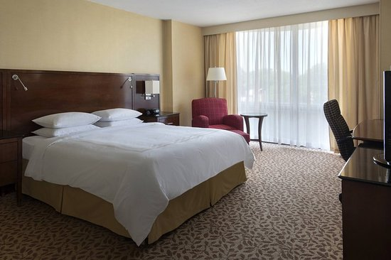 Saddle Brook Marriott : Guest room