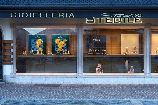 Madonna Di Campiglio, Italie : Gioielleria Orologeria Stedile