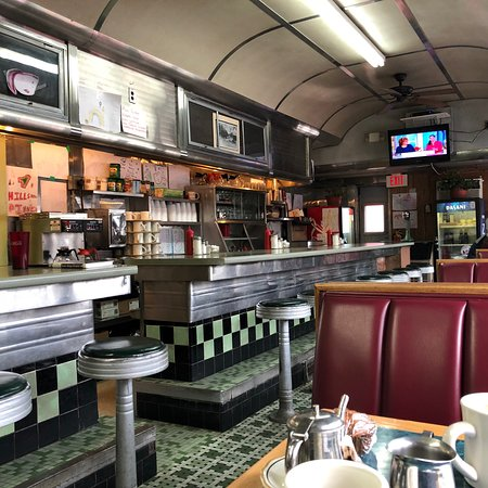 Hillsborough, NH: Real diner with good food