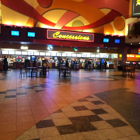 Regal Cinemas Pinnacle 18 Photo