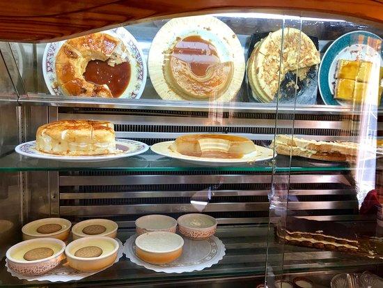 Herrera de Pisuerga, إسبانيا: Desserts is Chiller