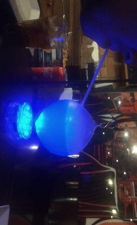 Drink Azul Com Gelo Seco Picture Of O