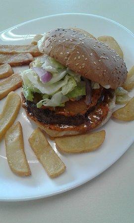 Le Bourg-Saint-Leonard, Prancis: Burger maison