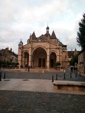 ボーヌの教会
