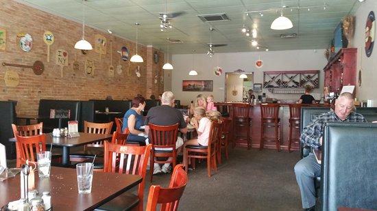 Brickhouse Pizzeria: inside the eatery