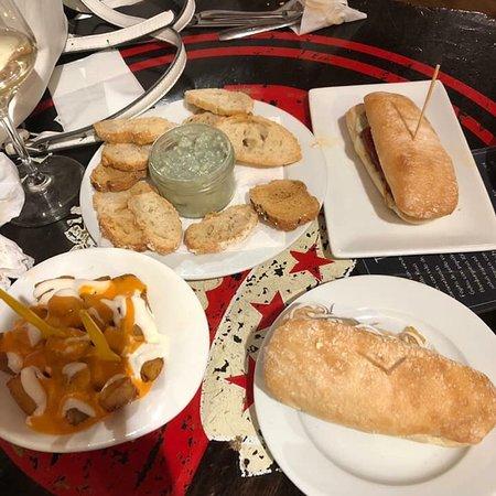 Restaurante la taberna de rusty en alcal de henares con - Cocinas en alcala de henares ...