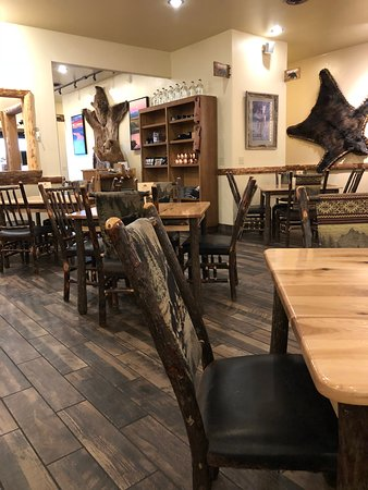 The Den Restaurant & Bar 이미지