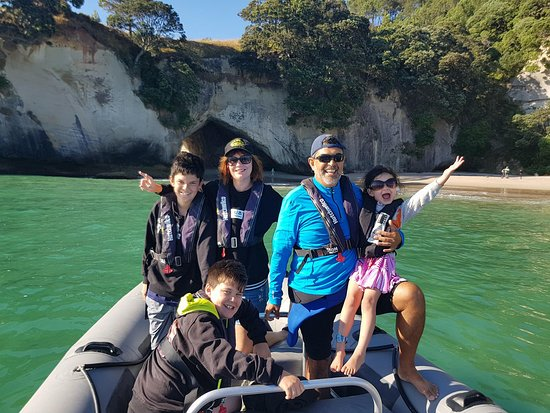 Whitianga, Nowa Zelandia: See and have a photo at Cathedral Cove
