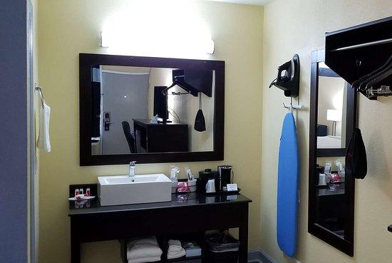 Muscle Shoals, AL: Guest room