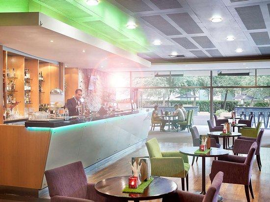 Ellerslie, New Zealand: Bar Lounge