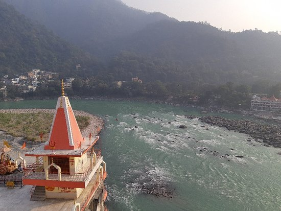 Breath taking view of Ganga and great food