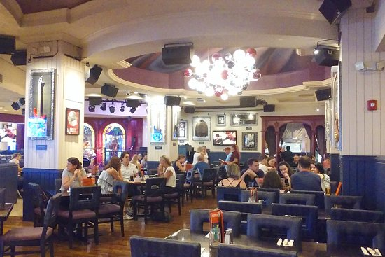 Hard Rock Cafe: Very nice ambience