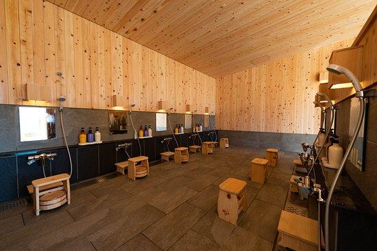 新温泉棟「ひだまりの湯 露天風呂」 - 湯沢町、ホテル シェラリゾート湯沢の写真 - トリップアドバイザー