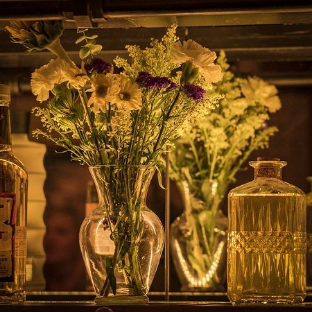 Fresh flowers, herbs and botanicals are a constant across all menus and in decor during the growing season
