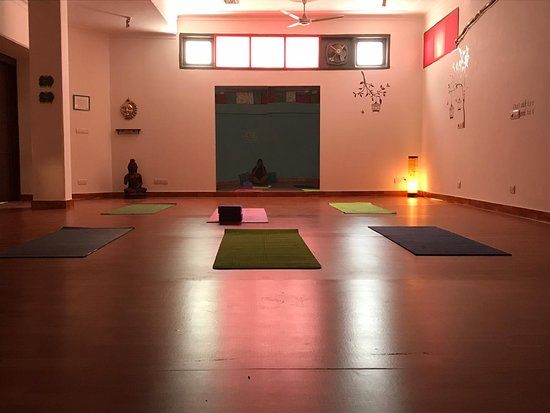‪Om Room Yoga Studio‬