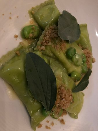 Marion Wine Bar: Ricotta agnolotti, broad beans and wild garlic