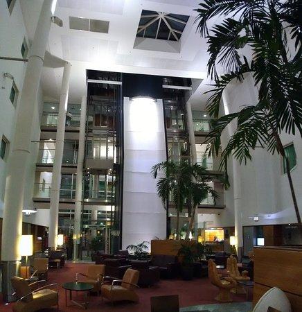 Bel hôtel agréable et calme