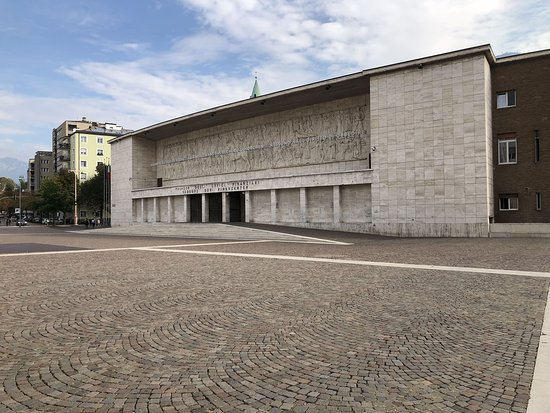 Piazza Tribunale