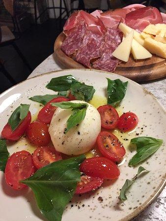 Molto delizioso!!!  Really great Italian food.