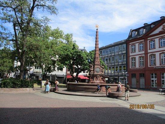 Liebfrauenbergbrunnen